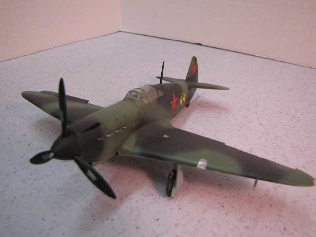 The Yak-1 was lightly armed with a 20 mm cannon in the propeller hub and two 7.62 mm machine guns in the upper cowling.