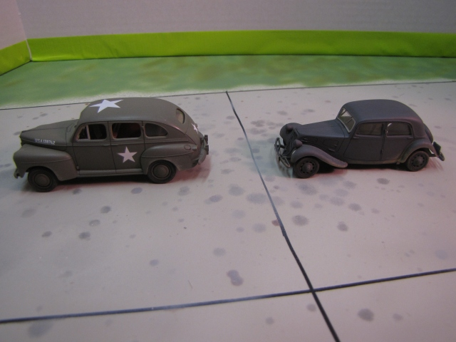Slight size difference between the Citroen and a Ford!