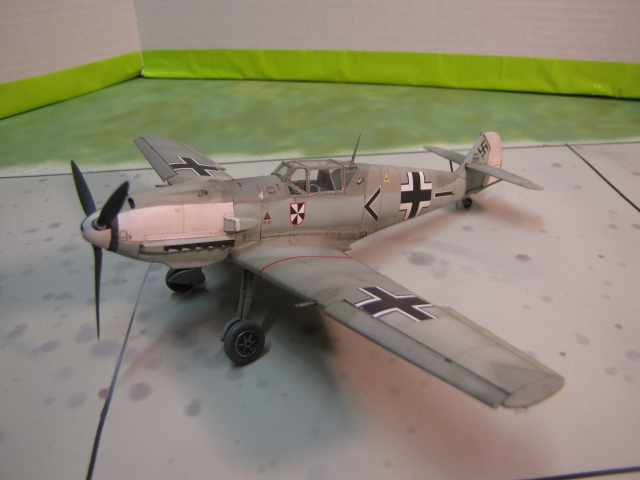 That's a Bf109E-3.  NOT an Me109!  even if we all know what we're talking about...